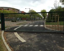 A F I D F - Marly-la-Ville - Nos produits - Parking-Portail-Borne - Portail coulissant